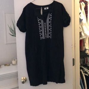Black / White Tassel Dress